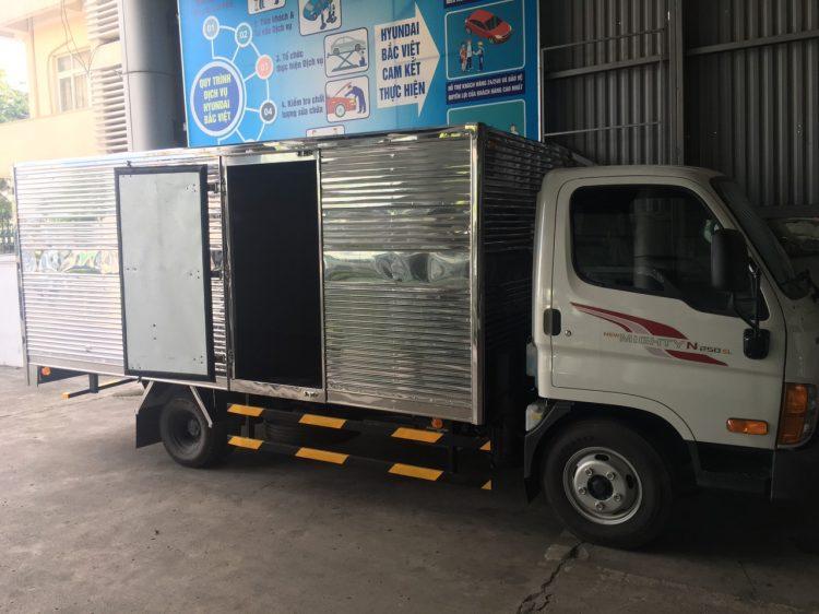 Hyundai xe tải 2.5 tấn N250SL – Hyundai Thùng bạt dài 4M35