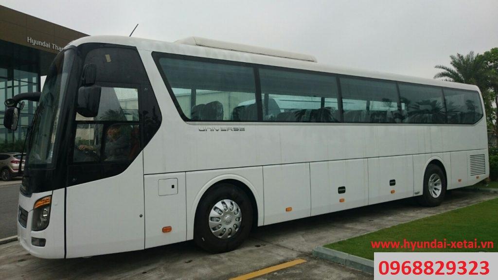 Xe khách 47 chỗ ngồi Hyundai Universe Modern