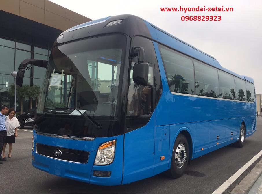 Xe khách 47 chỗ Hyundai