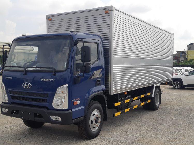 Xe tải 8 tấn hyundai 2021 EX8 GTL thùng kín inox